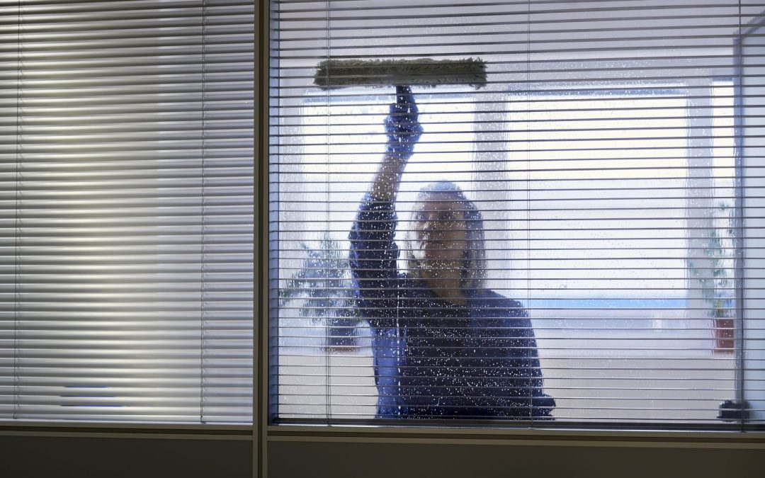 Know The Key Reasons to Hire Professionals for Office Cleaning
